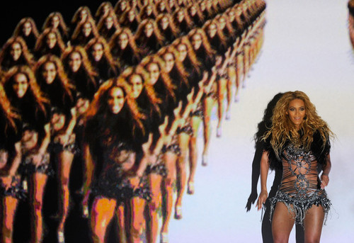 Beyonce+knowles+2011+billboard+music+awards+ah_rmupokb3l_large