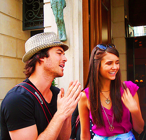 Matt davis et nina dobrev dating