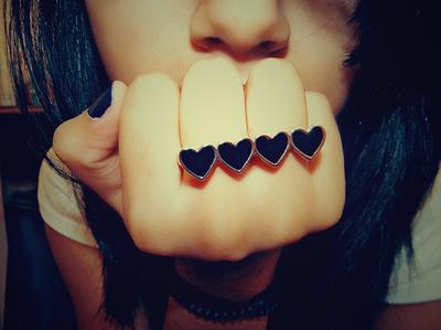 Black-emo-heart-love-nice-ring-favim.com-54340_large