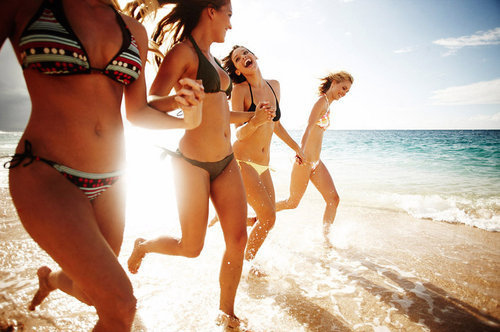 Beach-friends-girls-sand-smiles-water-favim.com-38371_large_large