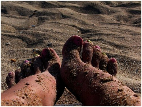 Soles_on_sand____by_daisssy_large