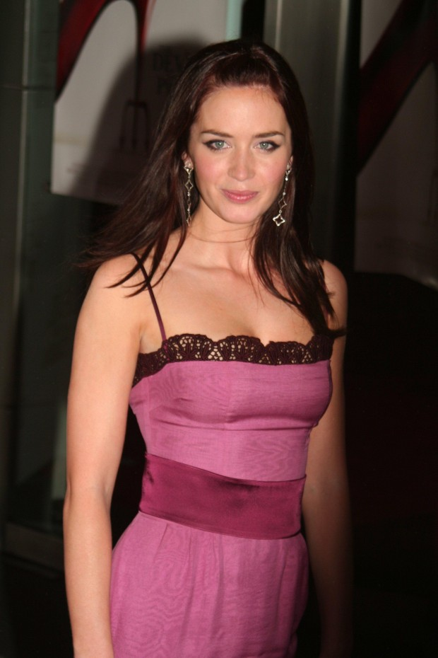 Emily Blunt Height and Weight, Bra Size, Body Measurements ...
