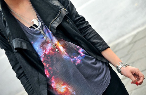 Black-blue-fashion-galaxy-girl-gold-favim.com-38217_large