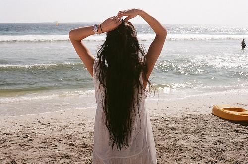 Beach-beautiful-brunette-dress-fashion-girl-favim.com-61704_large