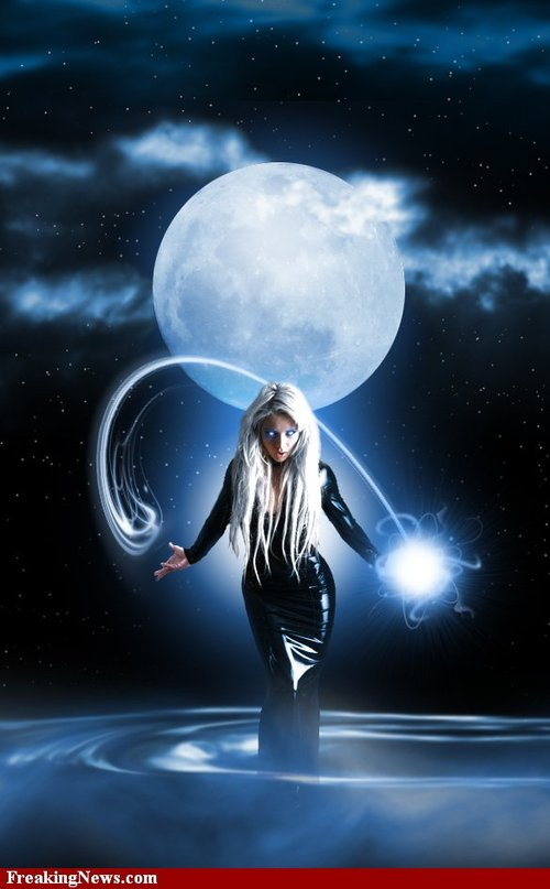 Moon-witch--50824_large