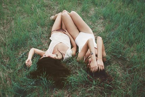Brunette-girl-girls-grass-green-legs-favim.com-66889_large