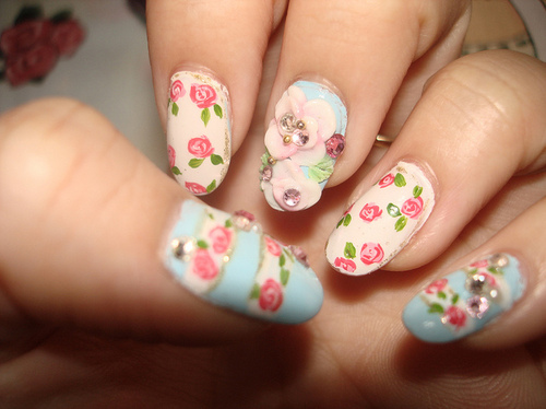 Floral-girly-nail-art-nails-pretty-favim.com-51380_large