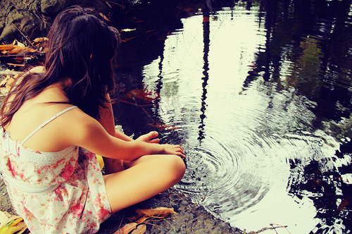 autumn, fall, girl, leaves, reflection, skinny - inspiring picture on Favim.com