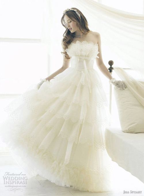 Wedding Dresses. - Page 5 Beautiful_wedding_dresses_large