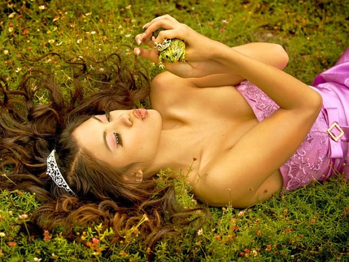 http://data.whicdn.com/images/10594745/Girl_w_Frog_Wallpaper_JxHy_large.jpg