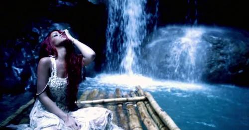 Rihanna-man-down-water_large