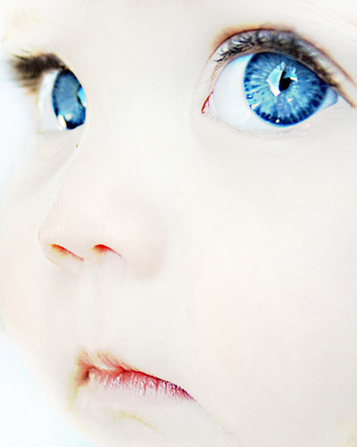 People,baby,photo,blue,high,key,intense-5b53cbd7d323d2dfa6e9563e564d0c63_h_large