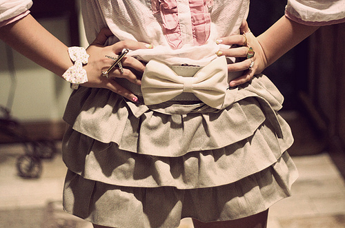 Bow-cute-fashion-girl-pink-skirt-favim.com-47080_large