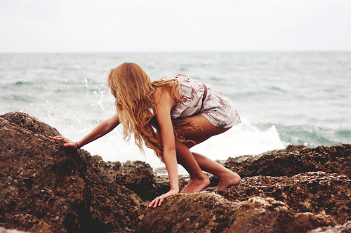 Beautiful-blonde-dress-girl-nature-ocean-favim.com-59455_large