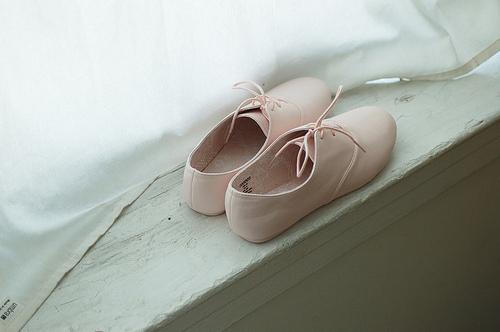 Cute-photo-photograph-pink-shoes-vintage-favim.com-73736_large