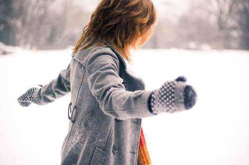 Coat-girl-hair-hands-snow-winter-favim.com-74150_large