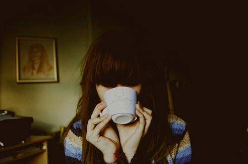 Alone-background-bangs-brown-brunette-coffee-favim.com-42055_large