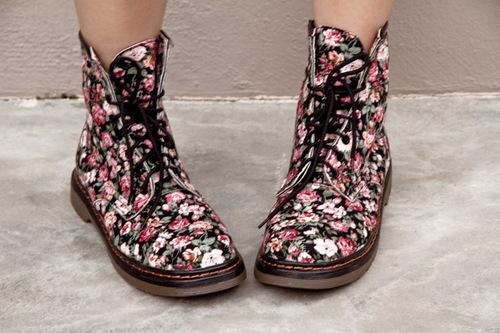 Dr+martens_pull+and+bear_fedora_sheer_leopard+prints_floral+boots_japan_fashion_cool_sexy_fumiko+kawa_01_large