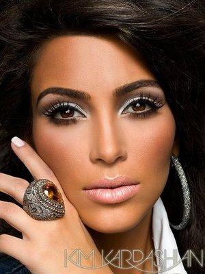 Post_image-kim-kardashian-vegas-magazine-2_large