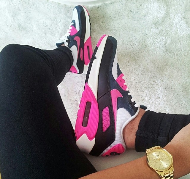 Swag shoes for girls nike