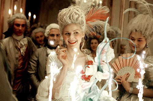 French-kirsten-dunst-marie-antoinette-pretty-royalty-smile-favim.com-76343_large