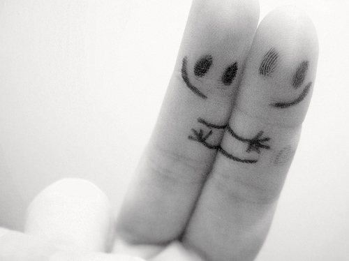 Finger-friends-friendship-happiness-hug-favim.com-75582_large