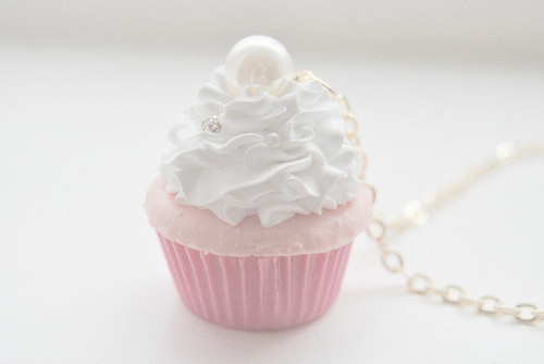 Accessory-colorful-cupcakes-cute-fashion-favim.com-72443_large