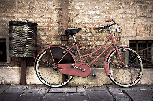 Bicycle-bike-brick-pink-pretty-vintage-favim.com-56894_large