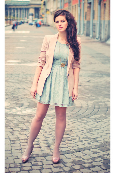 Pink-zara-blazer-green-newlook-dress-pink-zara-shoes-gold-bershka-necklace_400_large