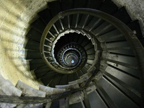 http://data.whicdn.com/images/10944786/spiral-staircase-fish-hill-london_large.jpg