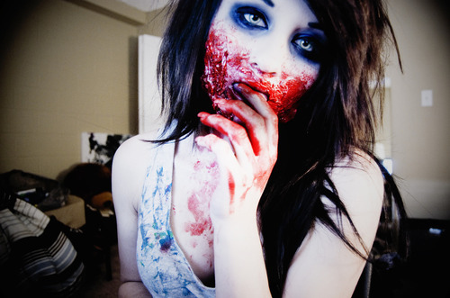 Alternative-blood-halloween-make-up-makeup-zombie-favim.com-76474_large