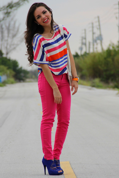 hot pink Zara jeans - hot pink Zara shirt - white Express bag ...