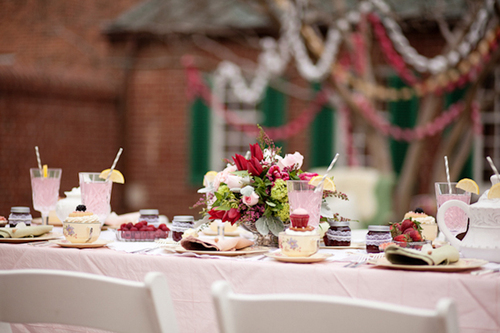 Berry-pink-wedding-table_large