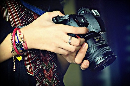 amigassss <3, camera, girl, hand, nikon - inspiring picture on ...