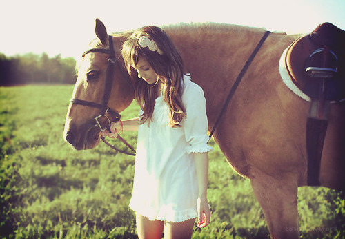 Dress-fashion-girl-grass-headband-horse-favim.com-80771_large