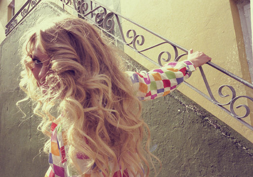Blond-blonde-curls-curly-girl-hair-favim.com-73595_large