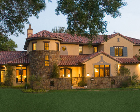 Lawn Space Design Ideas Applied In Spanish Colonial Revival House    Lawn Space Design Ideas Applied In Spanish Colonial Revival House Design Equipped With Stone Fencing Unit Ideas Plan   We Heart It   villa  mirror effect