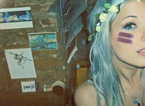 Blue-hair-flowers-girl-hair-purple-hair-favim.com-64724_large