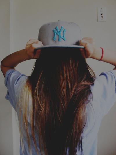 Brunette-californiana-cute-hair-hat-long-hair-favim.com-52473_large