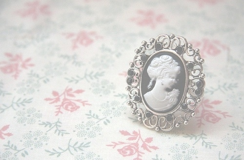 Cameo-floral-jewelry-ring-vintage-favim.com-62012_large