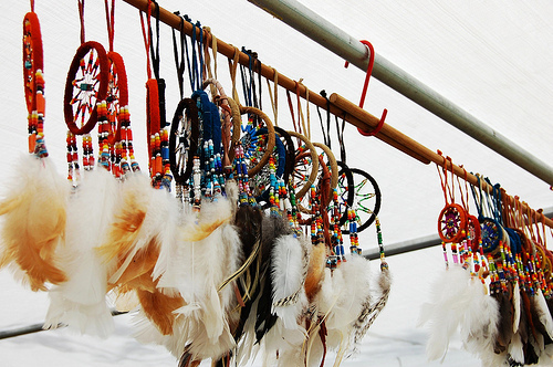 Dreamcatcher-feathers-native-ojibwa-red-favim.com-84302_large