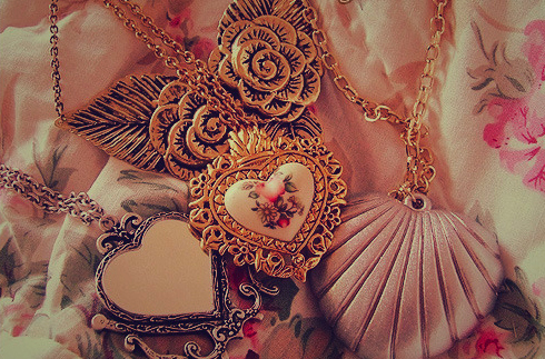 Bronze-gold-heart-jewellery-metal-necklace-favim.com-71859_large