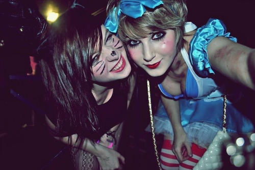 Beautiful-cute-fancy-dress-friends-girls-halloween-favim.com-86571_large