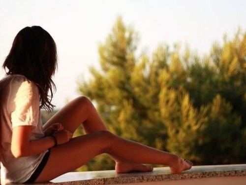 Brunette-girl-junel-summer-sun-tan-favim.com-88853_large