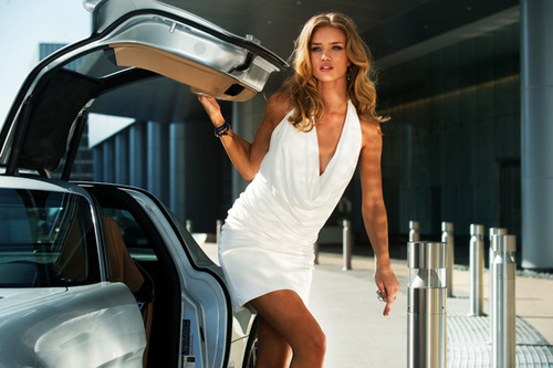 Transformers-dark-of-the-moon-still-rosie-huntington-whiteley_large