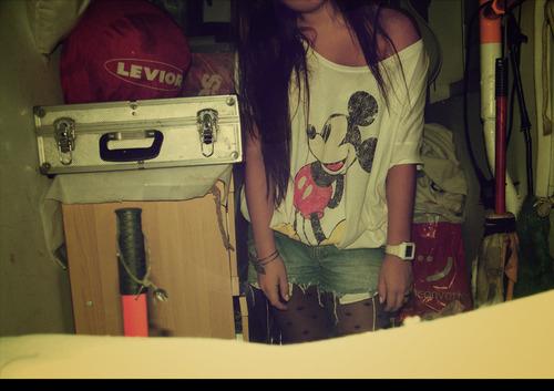 Fashion-girl-mickey-mickey-mouse-shorts-tights-favim.com-81002_large