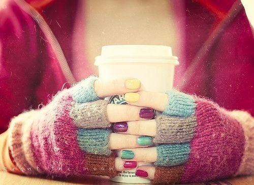 Colours-cute-gloves-nails-pink-starbucks-favim.com-90164_large