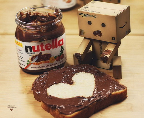 Amazon Box Robot Nutella