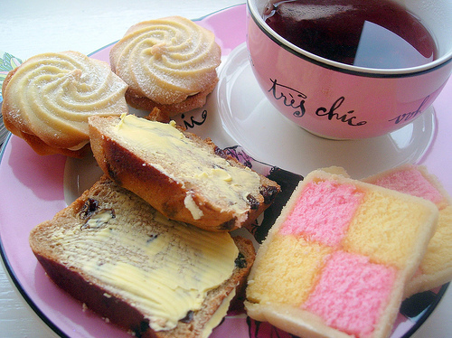Battenberg-bread-butter-cake-coffee-cookies-favim.com-91347_large