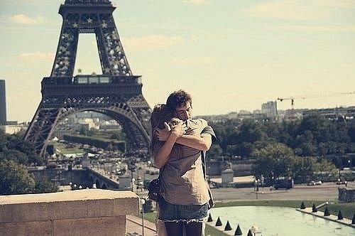 Couple-cute-france-hug-love-paris-favim.com-52756_large_large